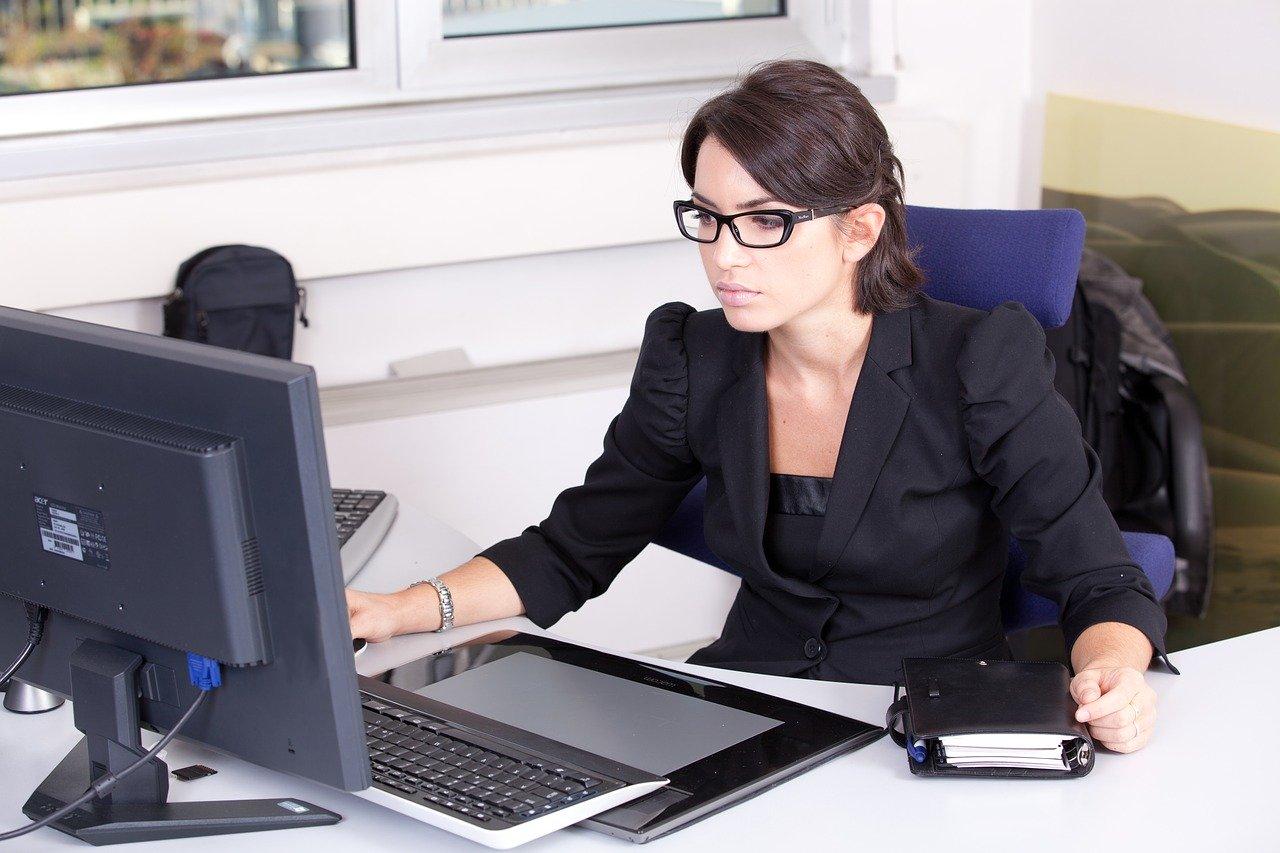secretary-2199013_1280